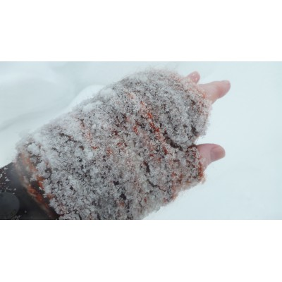 Image 8 from Karen of Sherpa - Women's Rimjhim Handwarmers 2 - Gloves