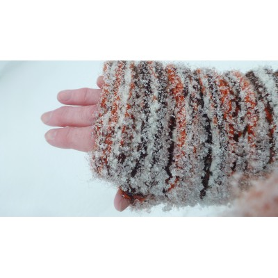 Image 9 from Karen of Sherpa - Women's Rimjhim Handwarmers 2 - Gloves