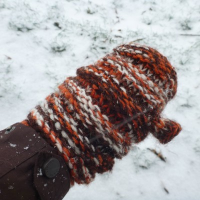 Image 7 from Karen of Sherpa - Women's Rimjhim Handwarmers 2 - Gloves