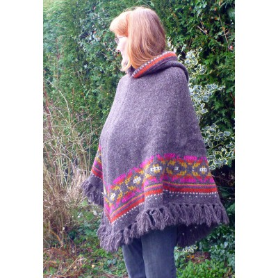 Image 8 from Karen of Sherpa - Women's Samchi Poncho - Wool jacket