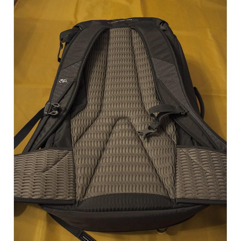 Image 3 from Gear-Tipp of DMM - Flight - Climbing backpack