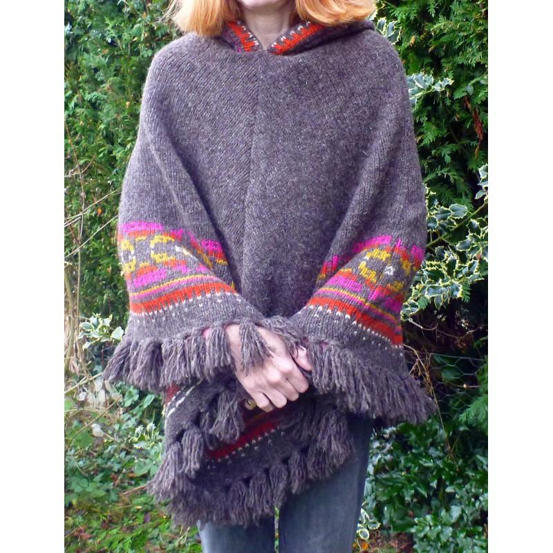 Image 4 from Karen of Sherpa - Women's Samchi Poncho - Wool jacket